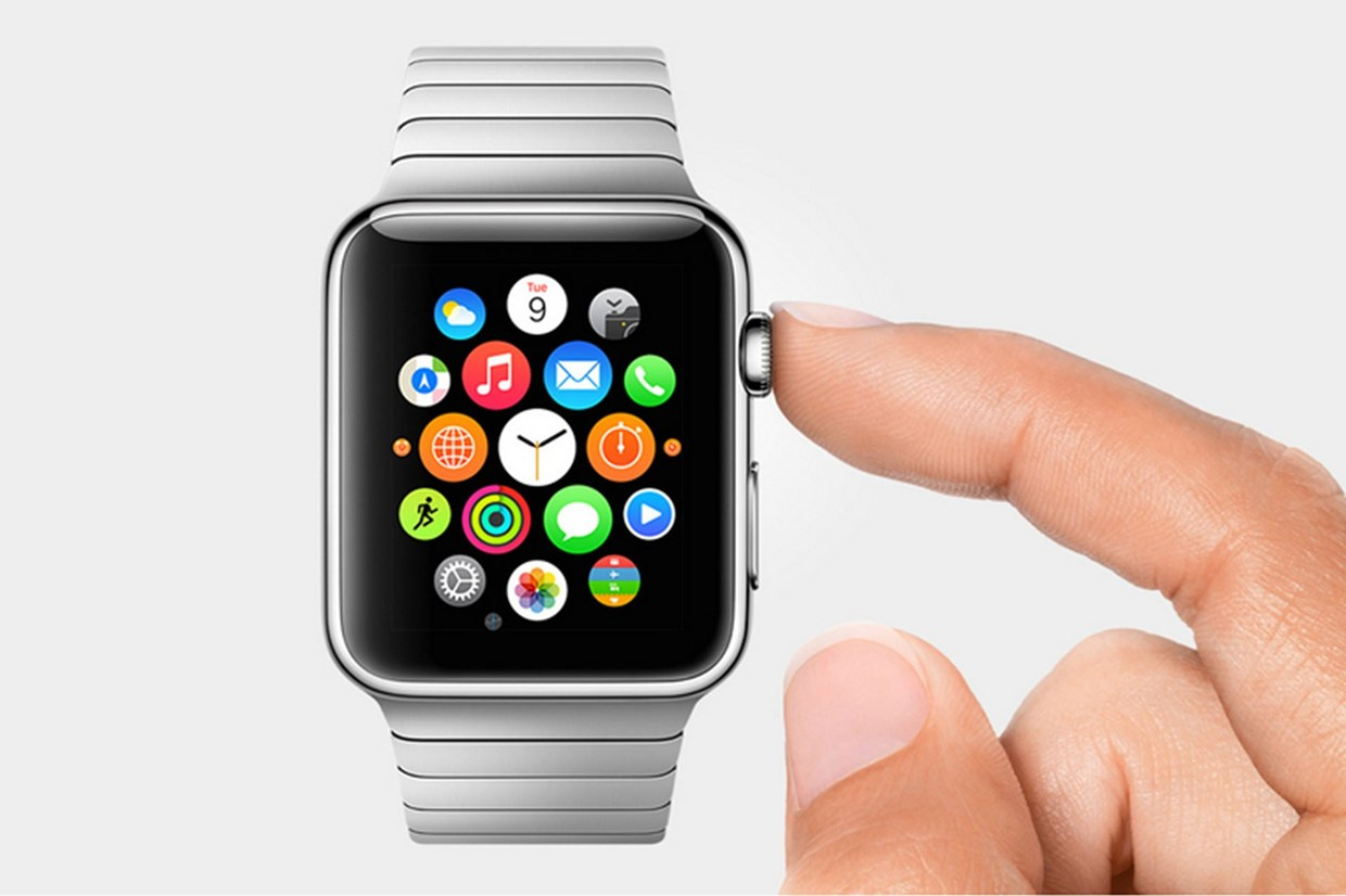 Apple Watch Crushes Android Smartwatch on Its First Day